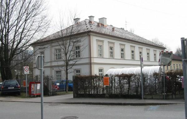 DAS ALTSTADTHAUS (Hellbrunnerstraße Salzburg – Erzbischof Arno Haus)